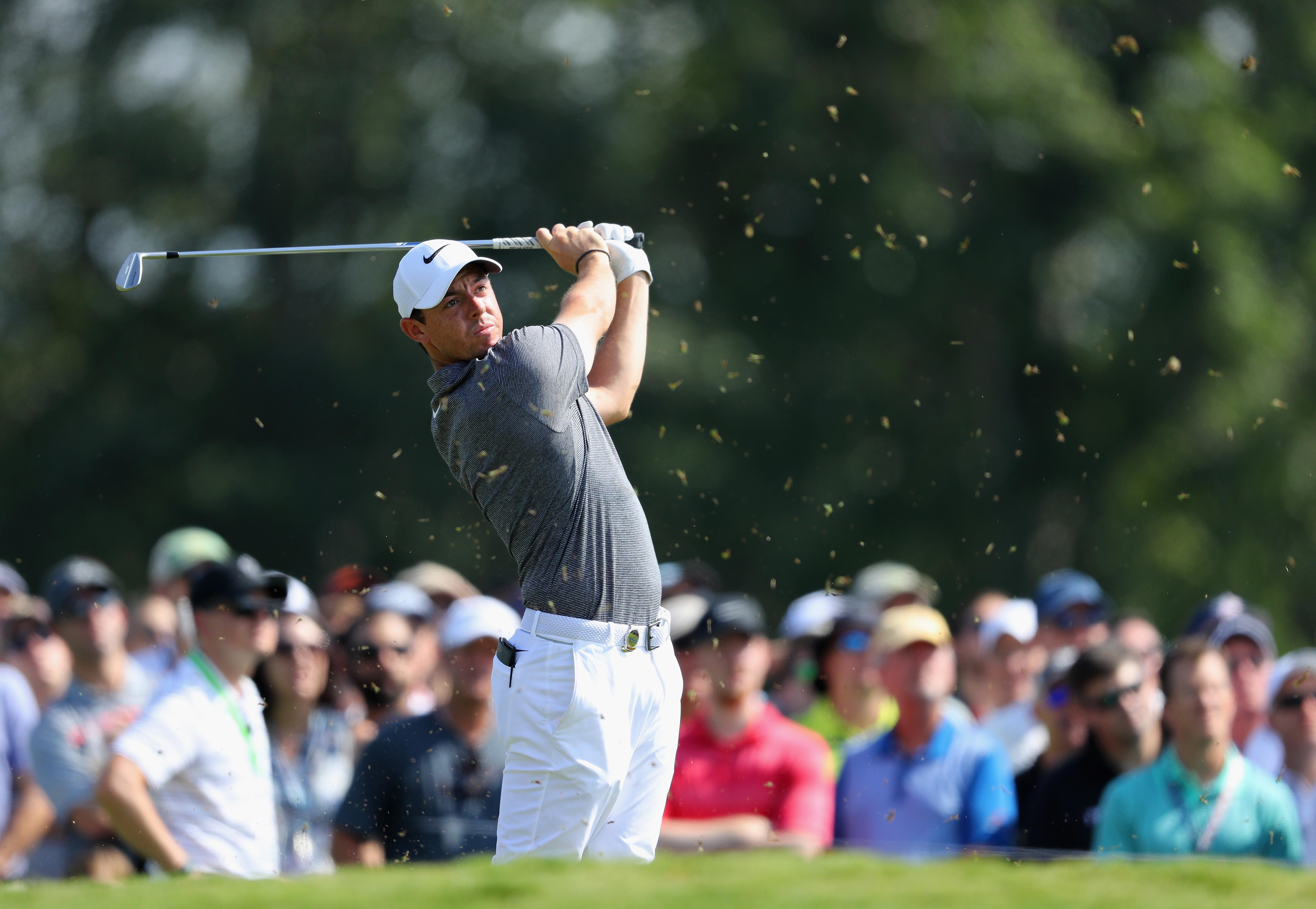 Matsuyama, Day make moves before play suspended at US PGA