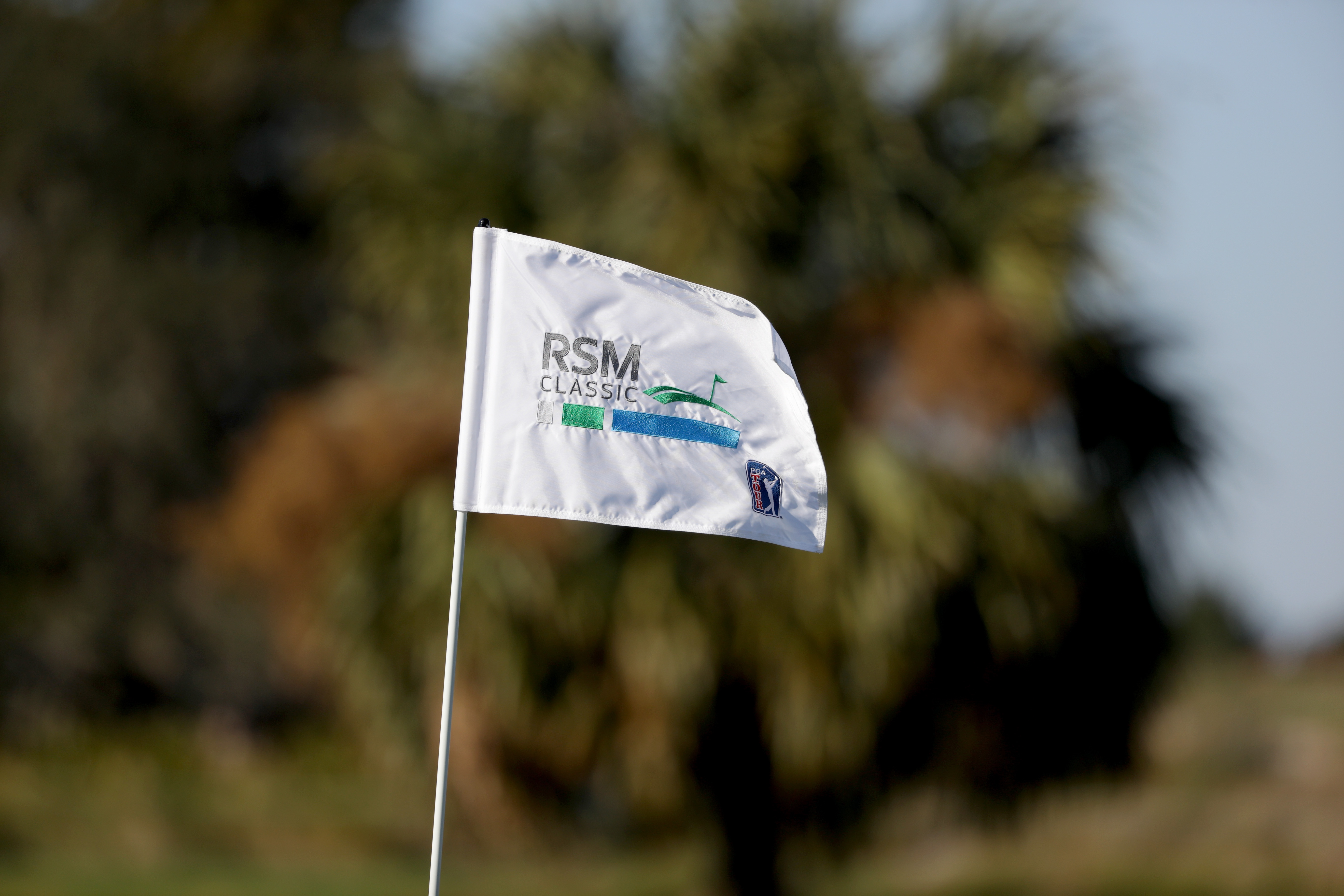 Kirk leads RSM Classic after fine 63